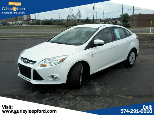 Pre-Owned 2012 Ford Focus SE