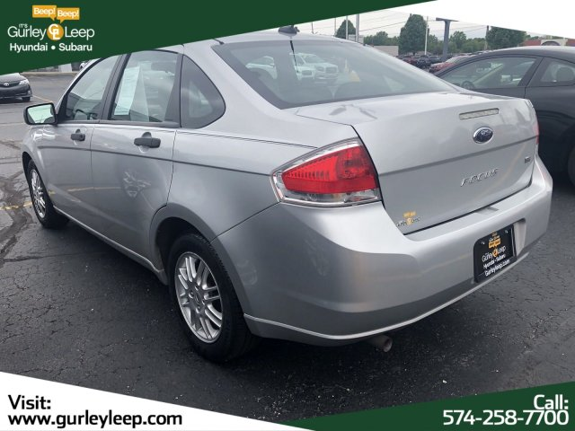 Pre-Owned 2010 Ford Focus SE