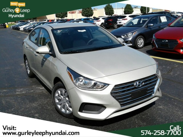 New 2019 Hyundai Accent SE FWD 4dr Car